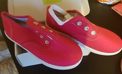 Bnib Girls Hot Pink  Canvas Lace Up Casual Shoe/ Trainers/Bumpers Size 8/26