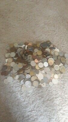 BULK LOT OF roughly 2.5kg MIXED WORLD COINS - PERFECT FOR NOODLING
