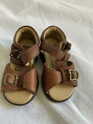 CRAYONS vintage brown unisex baby size 4 leather buckle T bar sandals retro 90's