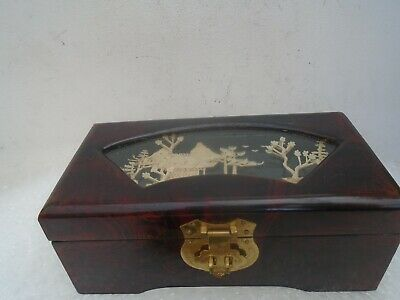 Splendid Chinese lacquered jewellery box with lovely cork scene diorama  LOOK