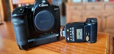 Canon EOS-1n And 420ez Flash