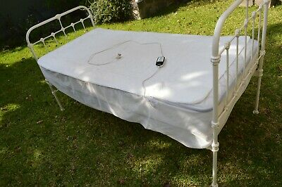 Antique Single Wrought Iron Bed With Sealy Mattress and Sunbeam Blanket - VGC !!