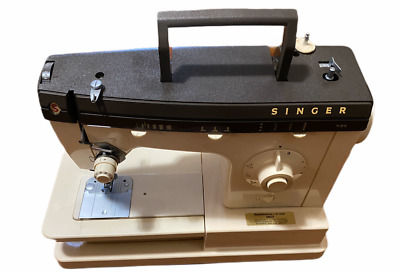 NEW Singer 7184 Sewing Machine With Complete Accessory Set Instructions and Case