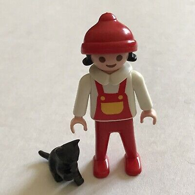 PLAYMOBIL Figure Y235 Girl Red Jacket /& Boots Winter Dollhouse City
