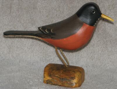 ROBIN bird hand carved & painted JIM SLACK Pekin IL   decoy carver