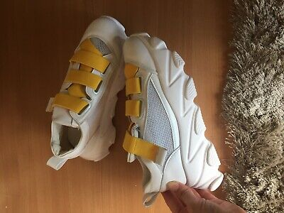 Womens Sports Shoes Size 5