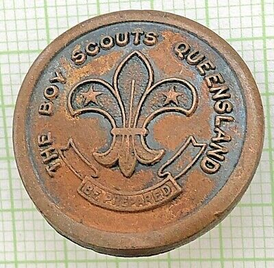 The Boy Scouts Queensland - old metal button - rare Scout collectable badge
