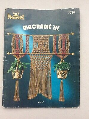 MACRAME III phentex  7710 8 designs fold-out booklet with instructions to make