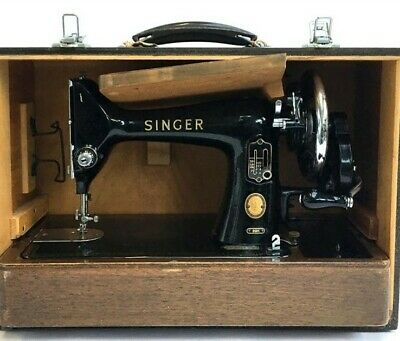 Vintage Singer 99 K Hand crank Sewing Machine Immaculate condition with case
