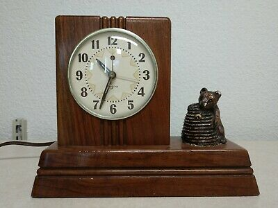 Vintage Bear & Honeypot Clock