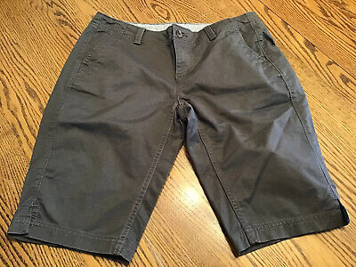 The North Face Women's Size 4 Bermuda Charcoal Gray Uniform Flat Front Shorts