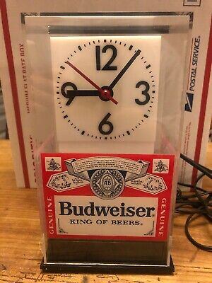 Vintage Budweiser Clock With Lamp