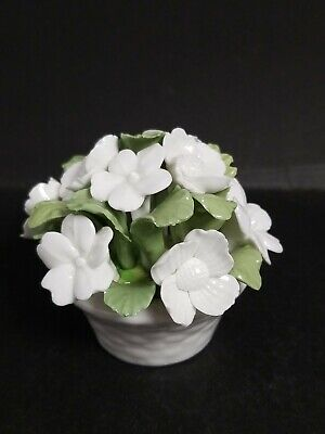 Vtg Aynsley England Hand Molded & Painted Bone China Flower White Green Bouquet