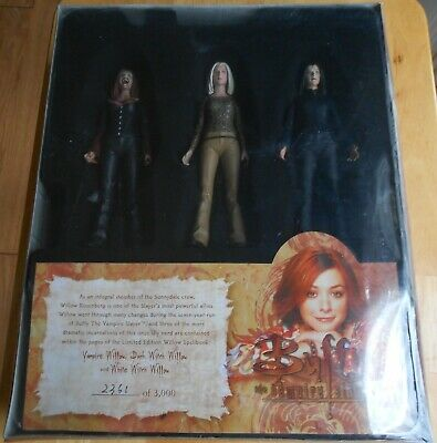Buffy the Vampire Slayer Willow's Spellbook 2361/3000 Set of 3 Action Figures