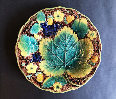 A SUPERB SAMUEL ALCOCK AND CO. MAJOLICA PLATE, 1828 - 1840 (#3 of 3)