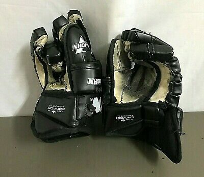 VAUGHN F1500 ~ DETROIT VIPERS Game Used Hockey Gloves # 12 PETER CIAVAGLIA