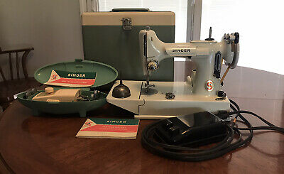 Vintage Singer Featherweight Model 221K Portable Electric Sewing Machine