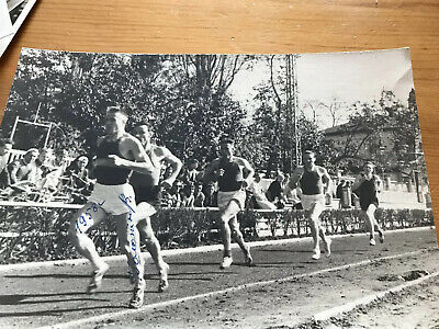 15 Signed Photographs Olympic Athletes From The 1950s