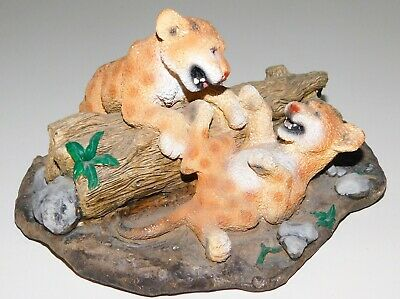 """1995 LIVING STONE Resin Statue ~ Tiger / Lion Cubs Playing Fighting ~ 7"""" x 5.5"""""""