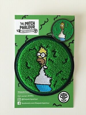 The Simpson's - Homer Simpson Backs into Bushes - Patch & Pin Set