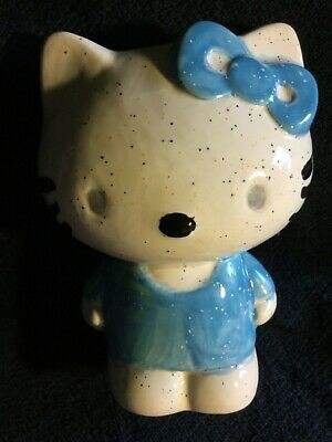 Hello Kitty Ceramic 1976, 2013 Figurine