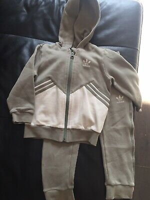 Boys Adidas Tracksuit Age 3-4 Years