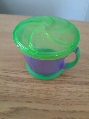munchkin snack catcher purple and green, good condition