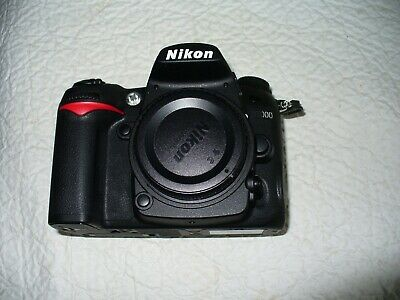 Nikon D D7000 16.2MP Digital SLR Camera - Black (Body Only) Very Clean