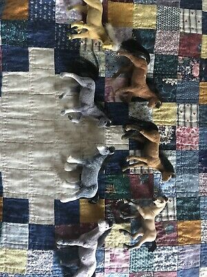 Lot Of 7 Toy Horse Figures