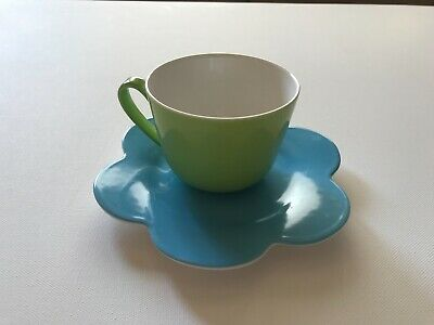 VILLEROY & BOCH china WONDERFUL WORLD TEA CUPS and SCALLOPED SAUCERS