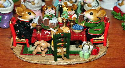wee Forest Folk M302a Christmas Family Gathering