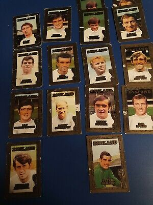 16 A&BC Gum England Footballers cards