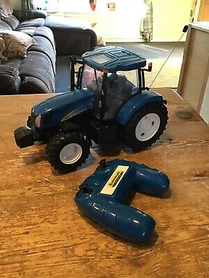 Britains ~New Holland ~RC Tractor ~Remote Control Toy Tractor ~VGC