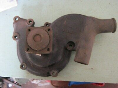 land rover series 1-2 diesel  7 mounting hole water pump 2lt engin i think new