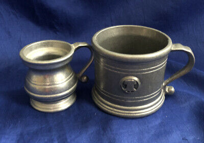 Wilton Armetale Plough Tavern Pewter Mug Holder RWP And Small Cup/ Pitcher Set