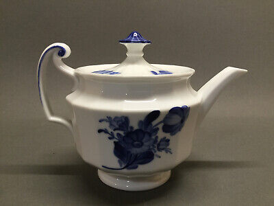 Royal Copenhagen Blue Flowers Fluted Angular 5 Inch Tea Pot Teapot