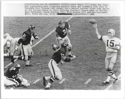 1966 Original Press Photo DICK BUTKUS Chicago Bears vs Green Bay Packers Starr