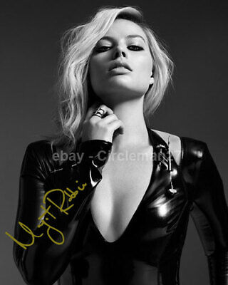 "Margot Robbie Sexy ""Harley Quinn"" Actress Hand Signed Autographed 8x10"" Photo"