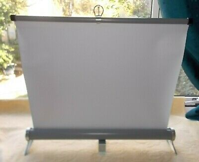Vintage Gioca Cine/Slide Projector Table Top Screen