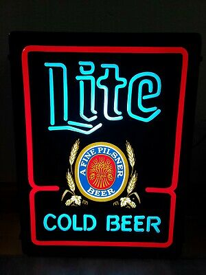 Vintage Miller Lite Cold Beer Lighted Plastic Bar Tavern Sign