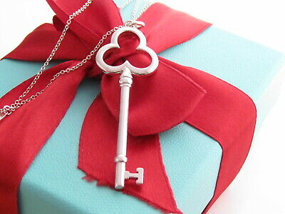 """New Tiffany & Co Silver Trefoil Charm Pendant 16"""" Necklace Packaging"""