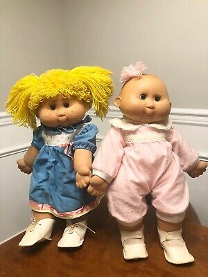 2 Vintage Cabbage Patch Dolls, Big Sister & Baby Sister, good condition for age