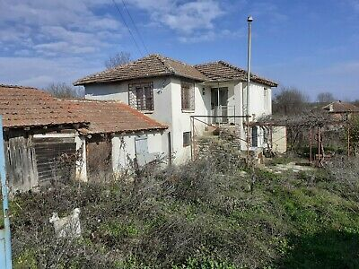 Partly renovated house dennitsa