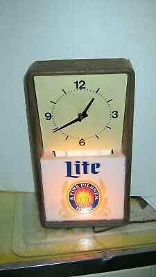 Vintage Clock Miller Lite Beer  advertising lighted sign  1984