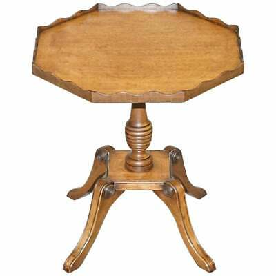 Stunning Circa 1900 Solid Walnut Side End Lamp Wine Table Lovely Sculptured Edge