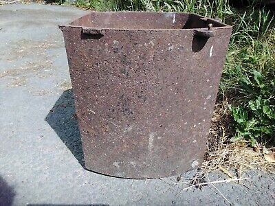 "Antique Cast Iron Planter Bread Oven Machinery Weighs 40KG 16.5""×16.5""×15"" app"