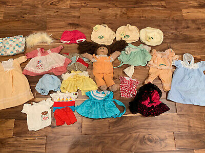 CABBAGE PATCH KIDS DOLL original c//p logo diapers off a doll BABYSTYLE mass prod