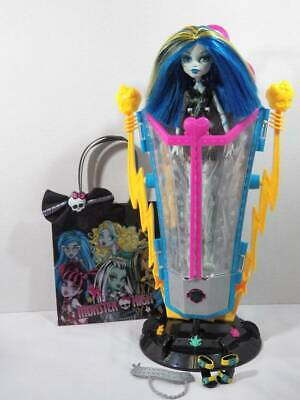 ~Monster High~ Freaky Fusions Recharge Chamber Zap Frankie Stein Back Doll