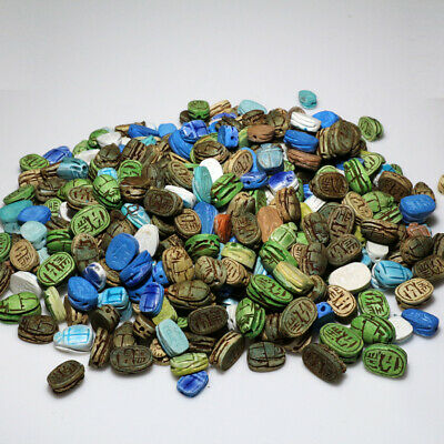 HUGE LOT OF 424 OLD ANTIQUES AND VINTAGE SCARAB SEAL BEADS - 1885 grams
