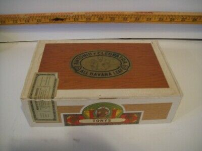 Lot of 20 New Litho Antonio Y Cleopatra Cigar Box Labels or Signs Top Quality